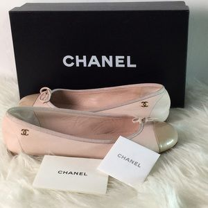 Chanel Ballerines flat shoes.
